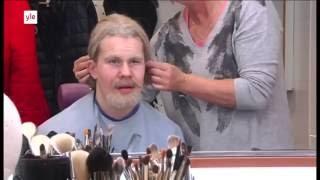 Jesse Puljujärvi jekuttaa kiekkojunioreita - Puljujarvi old man prank