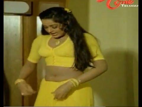 Krishna Enjoys Radha Shocking Navel Show