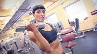 Тренировка плеч и рук для женщин от Зинаиды Руденко.(Вконтакте: http://vk.com/yougifted Facebook: http://www.facebook.com/YouGiftedOnline Twitter: http://twitter.com/YouGiftedRussia Подписывайся: ..., 2012-05-31T12:24:56.000Z)