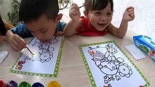 Đồ Chơi Trẻ Em _ Bé Tập Tô Màu Nước _ Cuộc Thi Tô Màu Nhận Phần Thưởng _ Bim Bim Channel