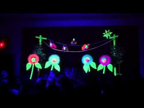 & TBC Black light puppet show - YouTube