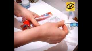 Не выбрасывайте старую зубную щетку! Не выкідвайце старую зубную шчотку!