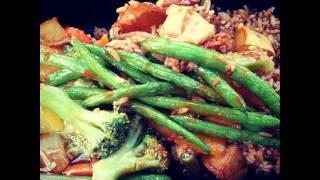 Yum Yum #vegetarian #veggies #greenbeans #tofu #delicious #foodporn #lunchtime #yum