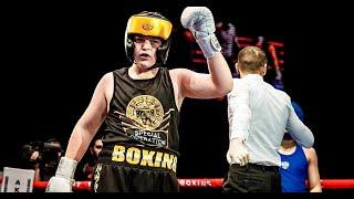Сын Рамзана Кадырова Адам выиграл бой на турнире по боксу техническим нокаутом видео