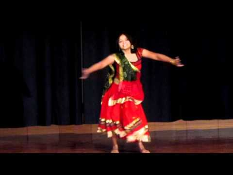 Aesha performing Barsho Re Megha at KSU