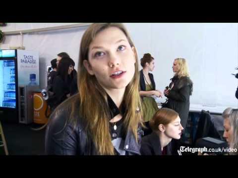 Back stage with Karlie Kloss, Schoolgirl-Supermodel
