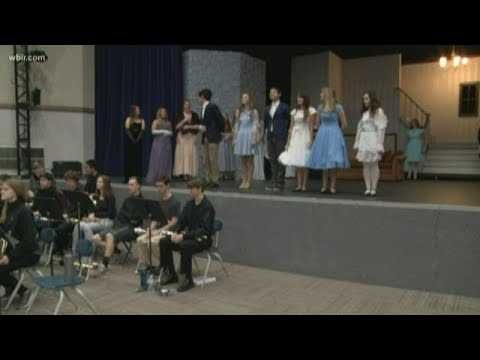 """Farragut High School Performs """"The Sound Of Music"""""""
