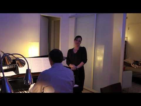 Elizabeth Caballero sings Quando me'n vo