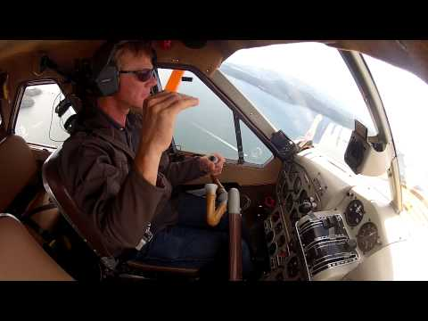 flying-a-dhc-2-dehavilland-beaver-through-victoria-tower's-airspace