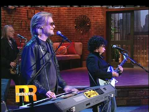 Hall & Oates - You Make My Dreams (Live on Rachael Ray 11-9-09); Pt. 2