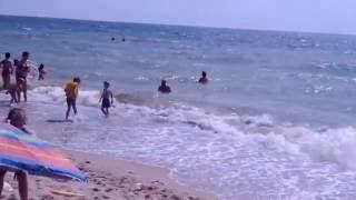Пьяный мужик.Прикол пьяному море по колено на берегу моря/Sinyaki