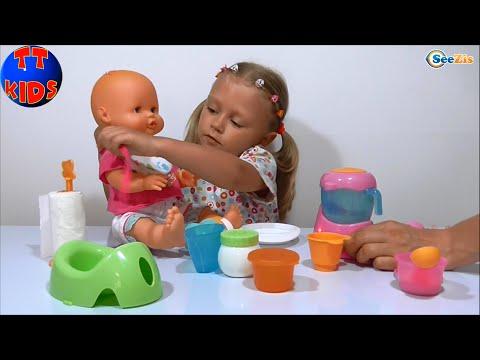 Как кормить кукол