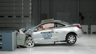 2009 Honda Civic 2-door moderate overlap IIHS crash test