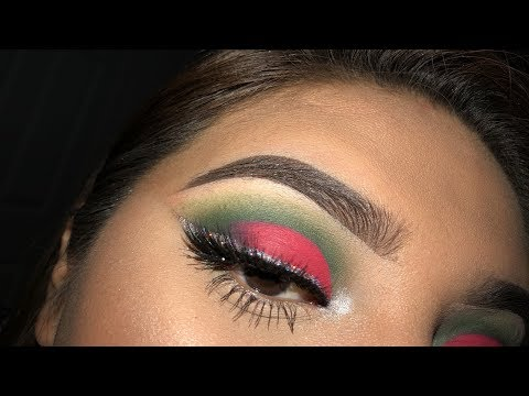 Grinch Makeup Look  Leslie Garza