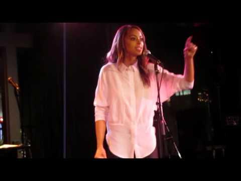 AMBER STEVENS SINGS AT ROCKWELL