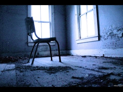 Playing Scary Game: Musical Chairs Alone  | 13 Days Of Halloween 🎃