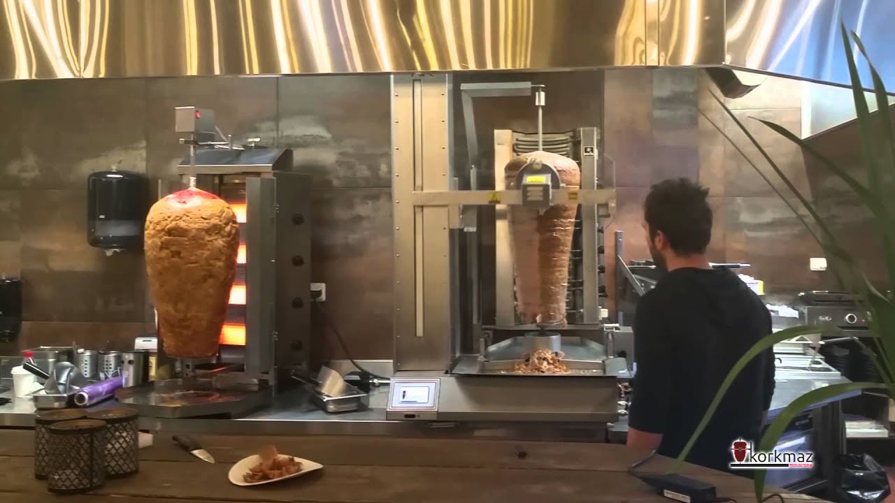 The restaurants using the doner robot have succeeded to speed up while decreasing their costs. Especially restaurants which have take away services have succeeded to increase the number of the customers they serve thanks to the doner robot.  İletişim Bilgilerimiz: http://www.korkmazmekatronik.com.tr / http://donerrobotlari.com  Facebook: http://facebook.com/korkmazmekatronik Youtube Kanalımız: http://youtube.com/c/KorkmazMekatronikTR Twitter: http://twitter.com/donerrobotu İnstagram: http://instagram.com/korkmazmekatronik