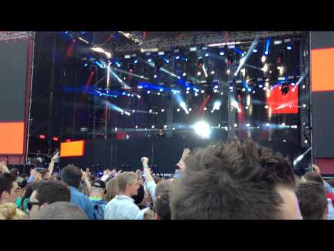 R3hab played Unstoppable & Ode To Oi @ Summerburst 2014 Göteborg