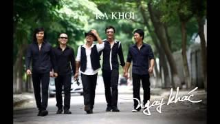 Ca khúc Ra Khơi - Ban nhạc Bức Tường trong album Nam Châm