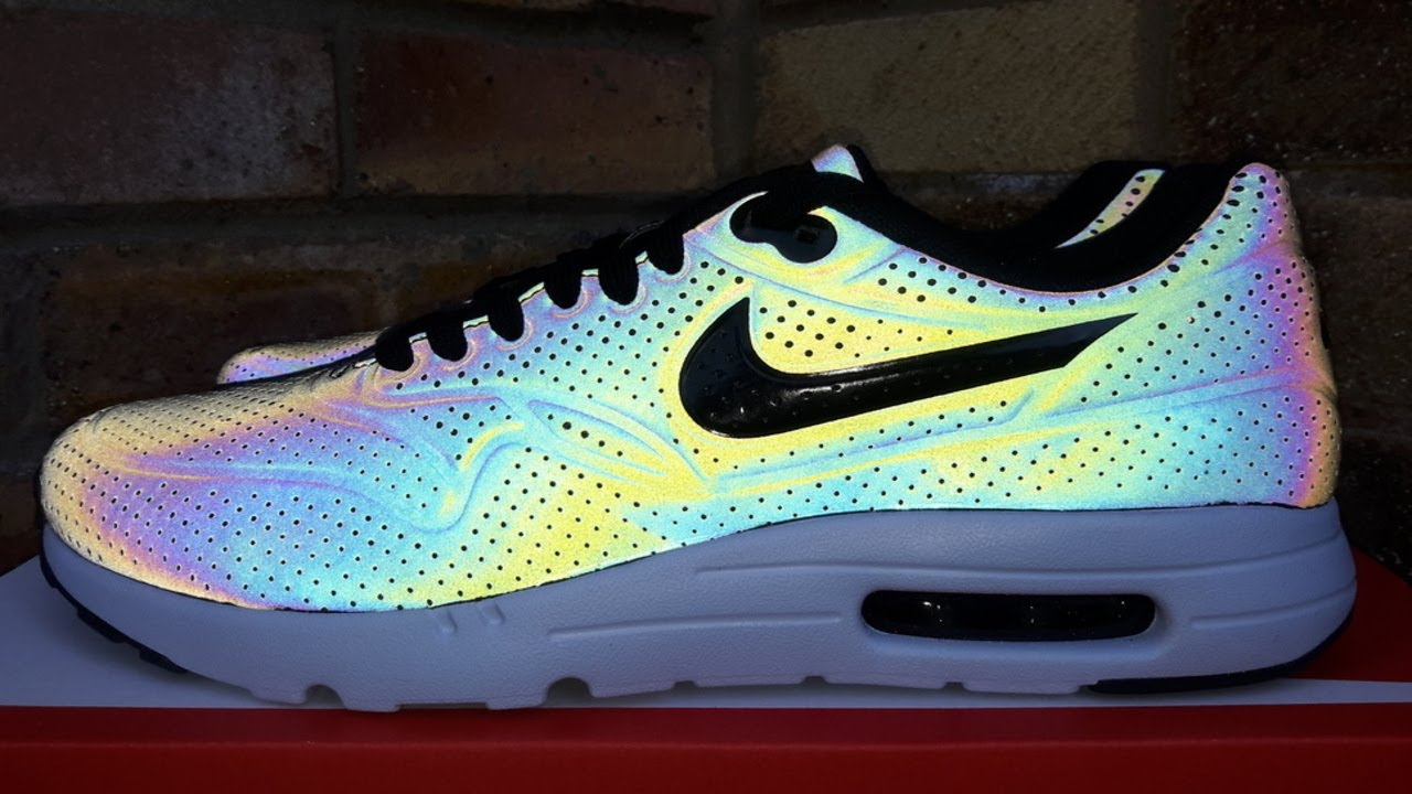 big sale 0b5db 400e9 Review  Nike Air Max 1 Ultra Moire QS Holographic (2015)