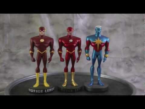Flash Maquette Repaint Plus Captain Marvel
