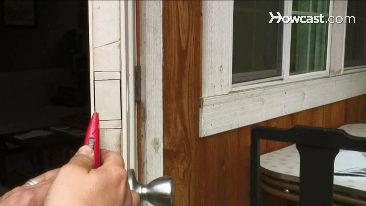 how to install a single cylinder deadbolt lock youtube. Black Bedroom Furniture Sets. Home Design Ideas