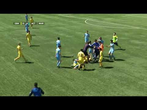 Футболисты Астаны U16 и Семея U16 устроили драку на поле
