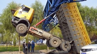Best of Truck _ Fails, Crash and Fast Drivers compilation 2015