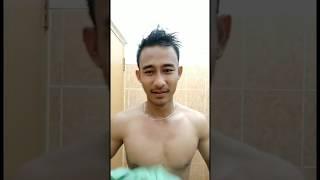 Kuli Ganteng shirtless