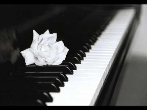 Клип Yiruma - Love Me