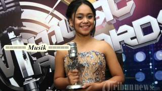 Video Lesti, Payung Hitam Official Lyric Video Highlights download MP3, 3GP, MP4, WEBM, AVI, FLV Agustus 2017