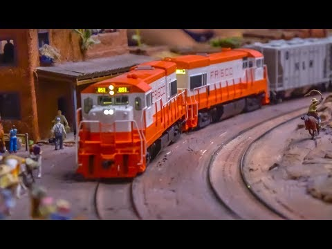 Worlds LARGEST model train exhibition! Theme America!