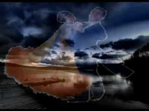Gino paoli il cielo in una stanza youtube for Il cielo in una stanza autore