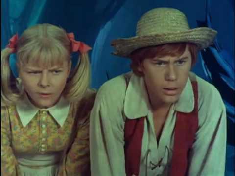 "The New Adventures of Huckleberry Finn - Clip ""Castle of Evil"""