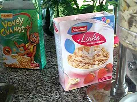 Breakfast food buffet Cuba Breezes Varadero.AVI