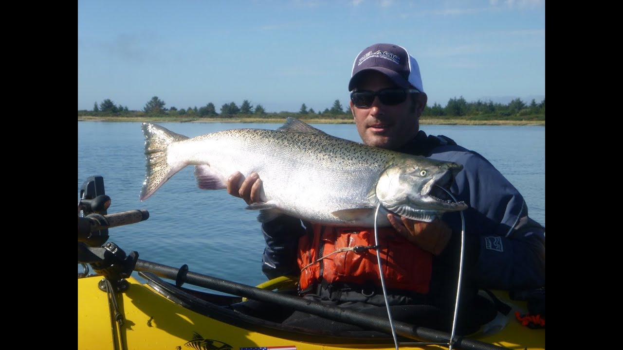 King salmon fishing by kayak at columbia river buoy 10 for Columbia river salmon fishing