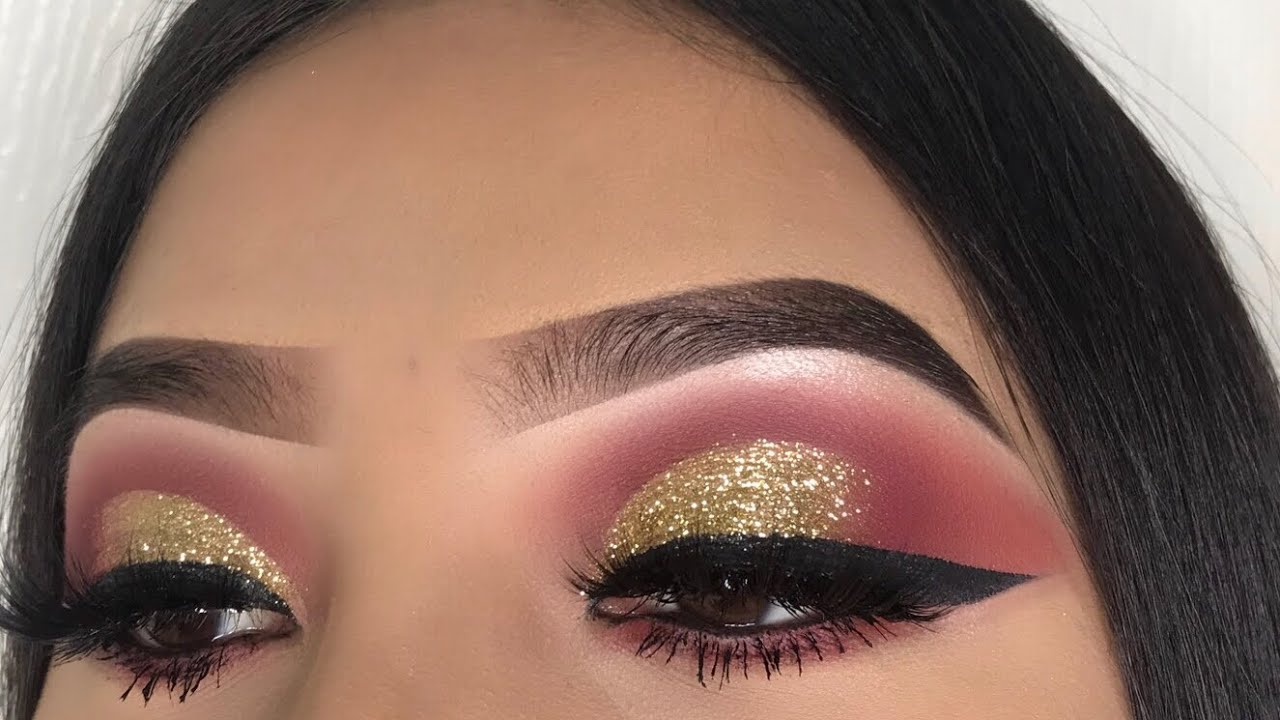 Andreea Reyes gold glitter holiday makeup | jocy reyes