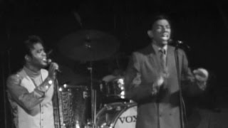 James Brown & Bobby Byrd Perform - James Brown Live at the Boston Garden Extended Edition