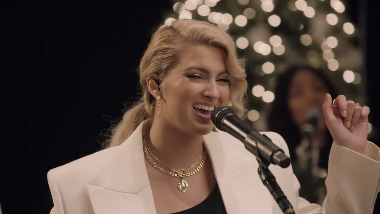 Download Tori Kelly - 25th (From A Tori Kelly Christmas - Live From Capitol Studios)
