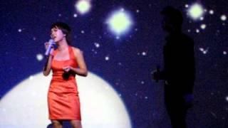 Uyen Linh & Lan Nha - Yeu thuong mong manh