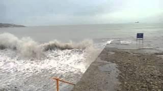 Кабардинка Чёрное море волны красота шум гам и т.д 9.01.2016(Кабардинка Чёрное море волны красота шум гам и т.д 9.01.2016 все остальное в других видео смотрим)), 2016-01-09T10:24:15.000Z)