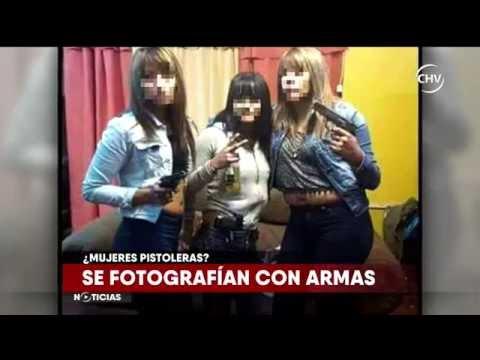 Impacto por fotos de mujeres que posan con armas de fuego - CHV Noticias