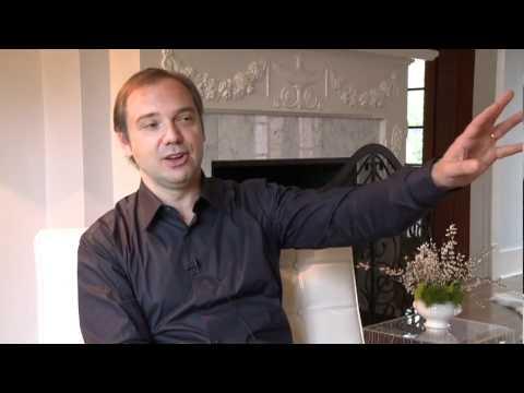 San Antonio Symphony Music Director Sabastian Lang Lessing