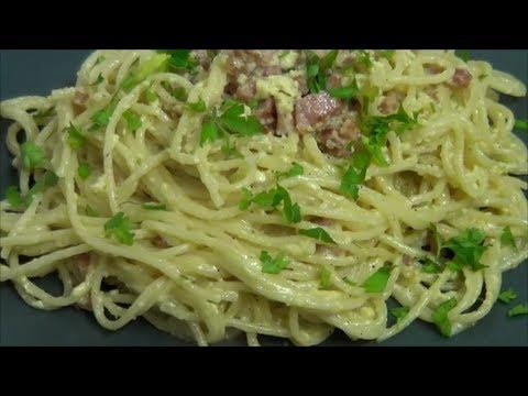 Spaghetti a la Carbonara, otro clasico de la cocina Italiana.