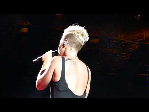 P!nk - HD What's Up - Tinley Park - 9/9/17