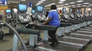 Ходьба по беговой дорожке помогает пожилым людям с больными ногами (новости)