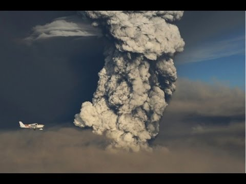 iceland-raises-volcano-aviation-warning-to-red,-breaking-news