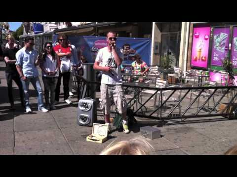 Dave Crowe beatboxing in Gothenburg 2011-06-03
