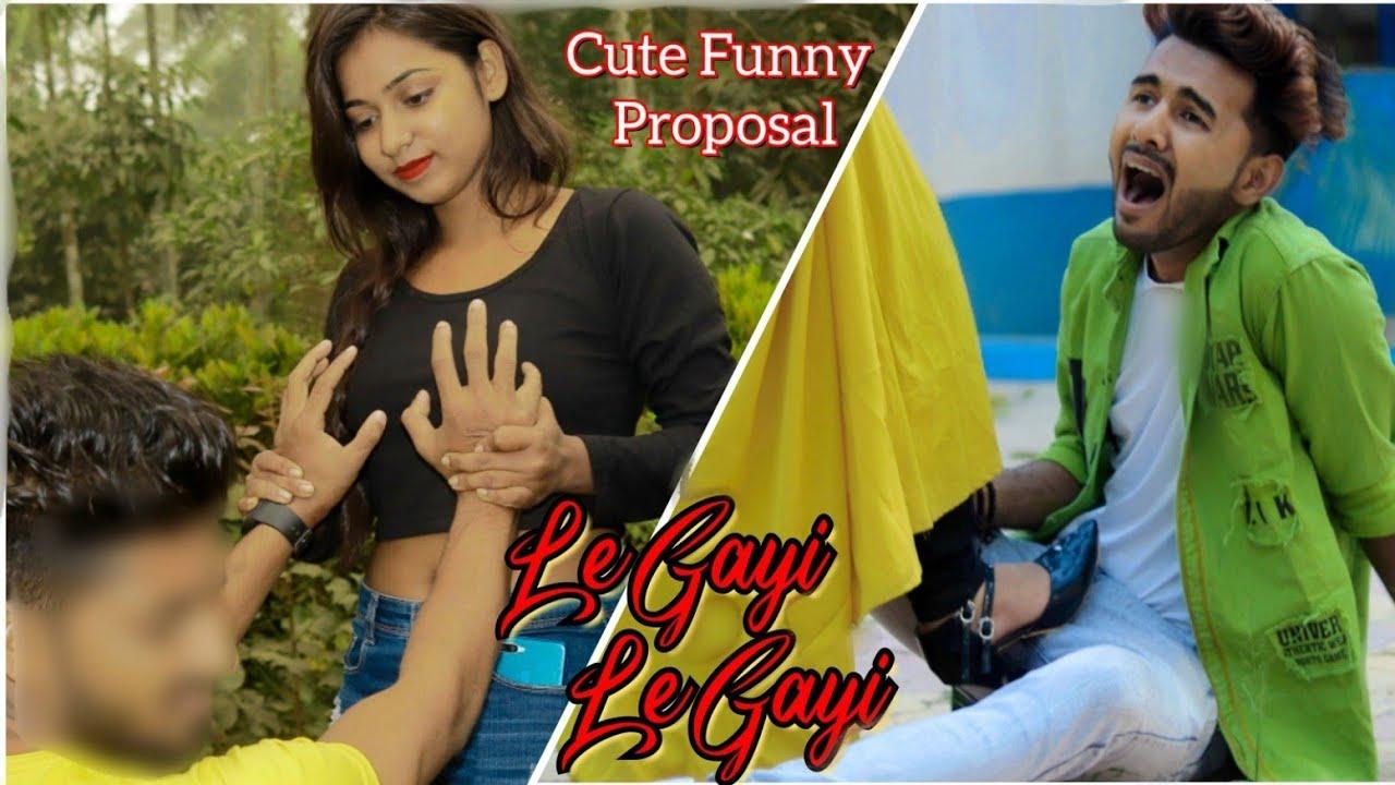 Le Gayi Le Gayi||😂Ladki Patane Ka Tarika 😜😝||Cute Funny Proposal🤓||Funny Love Story Video 2021