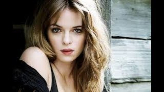 Top 5 Flash Fact About Danielle Panabaker
